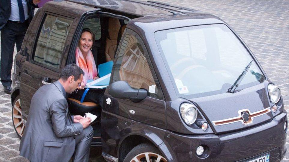 Με οικολογική συνείδηση η Σεγκολέν: Δείτε τη με το ηλεκτρικό της αυτοκίνητο
