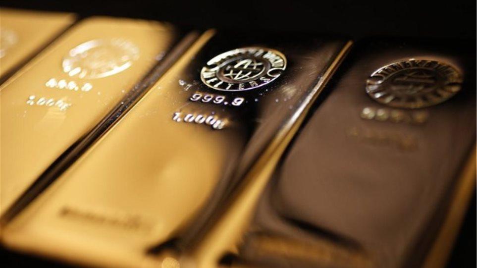 Κέρδη για χρυσό και πετρέλαιο