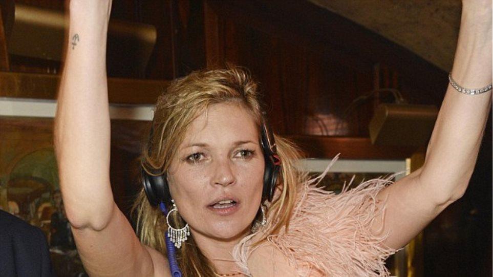 Kate Moss: Ξενύχτι μέχρι τελικής πτώσης