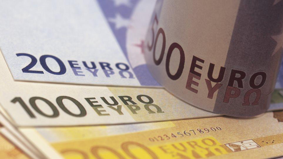 Ατελείωτες ουρές στις τράπεζες για τον ΕΝΦΙΑ