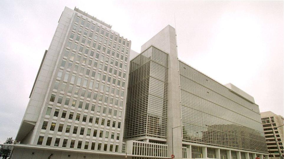 Η Παγκόσμια Τράπεζα δίνει επιπλέον 100 εκατ. δολάρια για τον Έμπολα