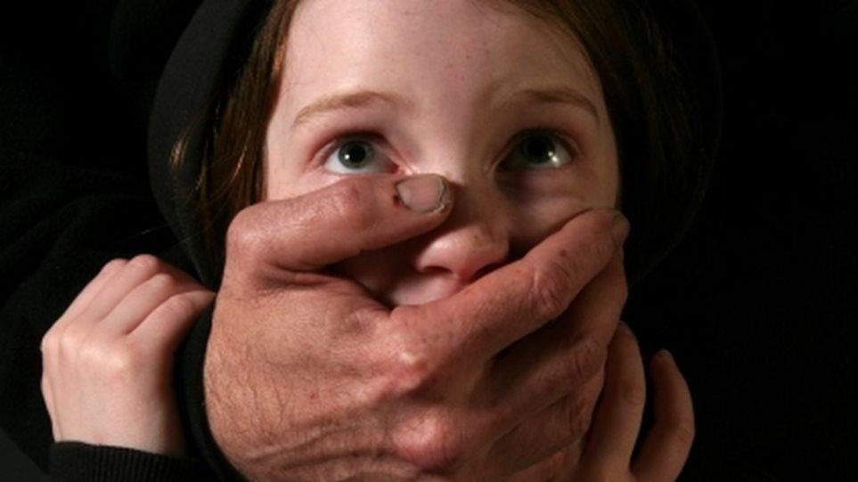 Αχαΐα: Ο παππούς βίαζε τα εγγόνια του!