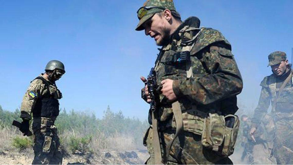 Ανάπτυξη ρωσικών στρατευμάτων στην ανατολική Ουκρανία καταγγέλλει το Κίεβο