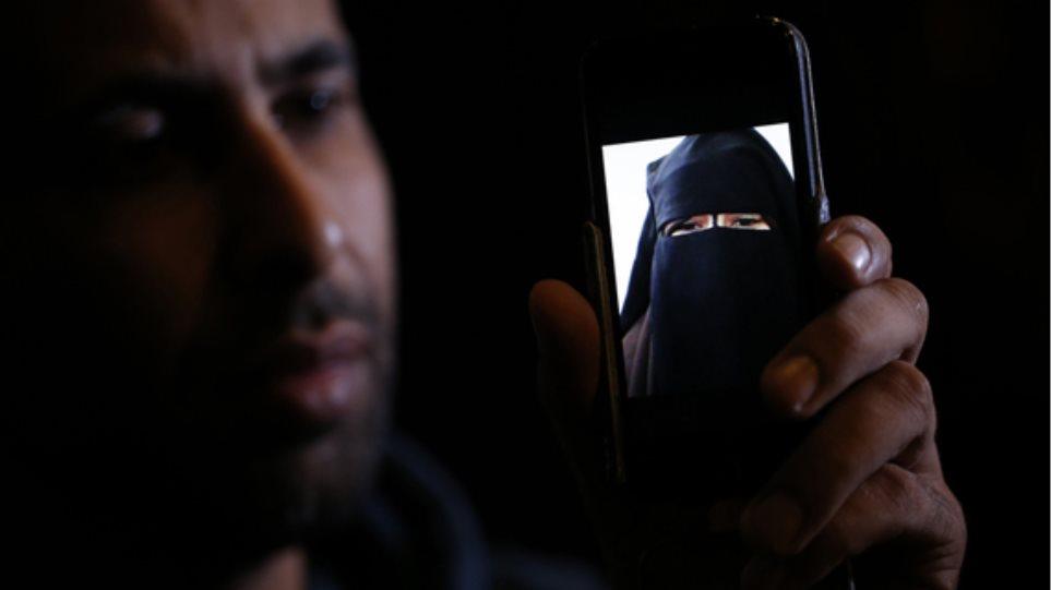 Δεκάδες Ευρωπαίες βρίσκουν τον έρωτα στο πρόσωπο των τζιχαντιστών