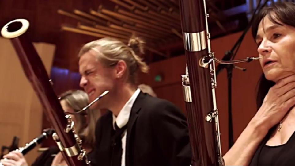 Βίντεο: Δείτε τι γίνεται όταν μια ορχήστρα τρώει καυτερές πιπεριές!