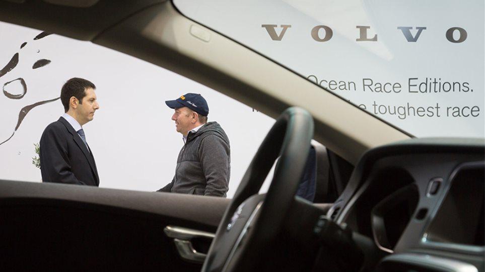 Ο Έκτορας Μποτρίνι μοίρασε γεύσεις στο περίπτερο της Volvo