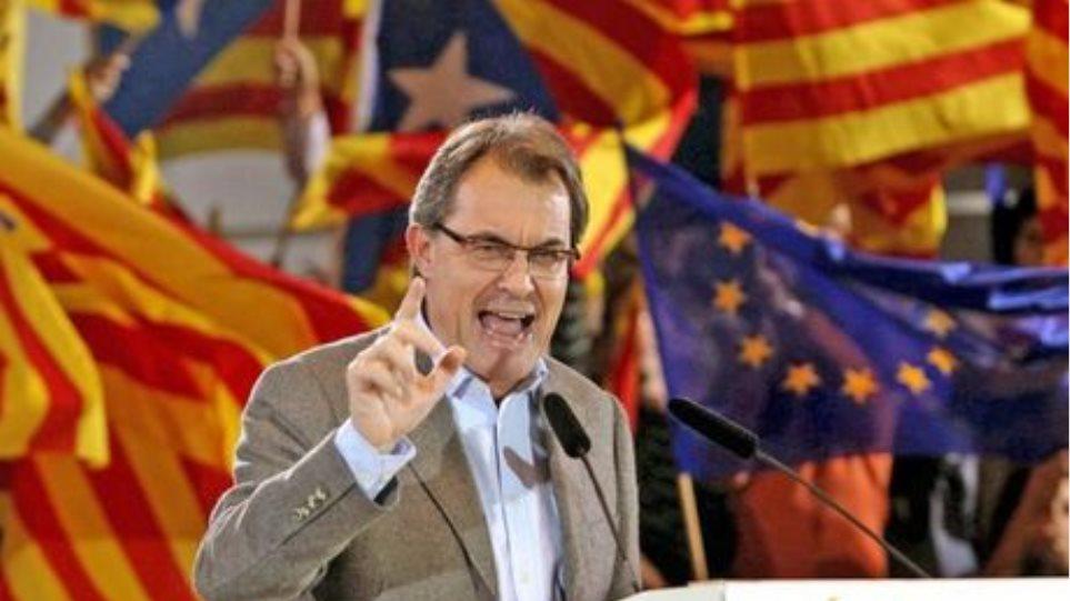 Καταλονία: Επιμένει στο εναλλακτικό δημοψήφισμα ο εθνικιστής ηγέτης