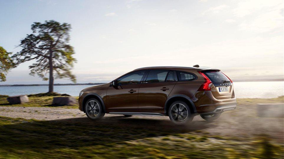 Το Volvo V60 γίνεται... Cross Country!
