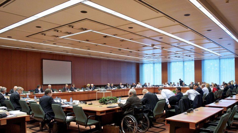 Eurogroup: Πάρτε μέτρα και συμφωνήστε με την τρόικα για να έρθει στην Αθήνα