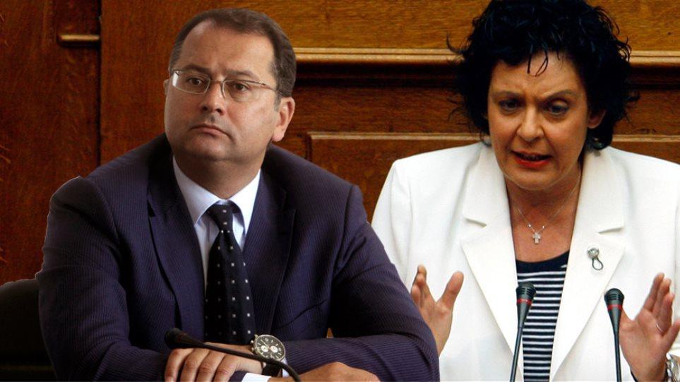 Την παραίτηση Στύλιου ζήτησε ο Σαμαράς για το «Θέλετε Κασιδιάρη» στην Κανέλλη