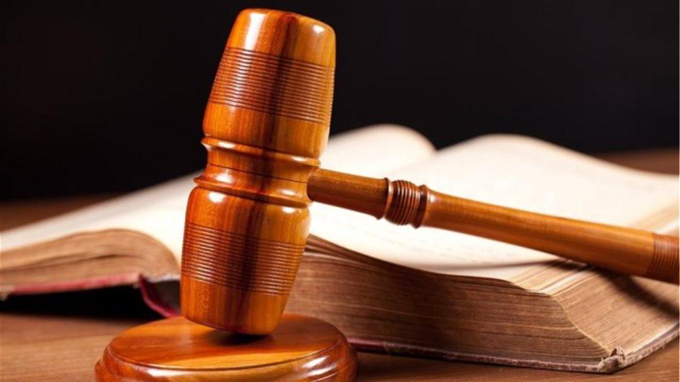 ΔΣΑ: Φραγμοί στις δικηγορικές εταιρείες που μετατρέπονται σε εισπρακτικές εταιρείες