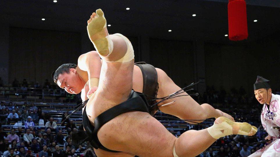 Ιαπωνία: Το σούμο «έβαλε κάτω» την ύφεση