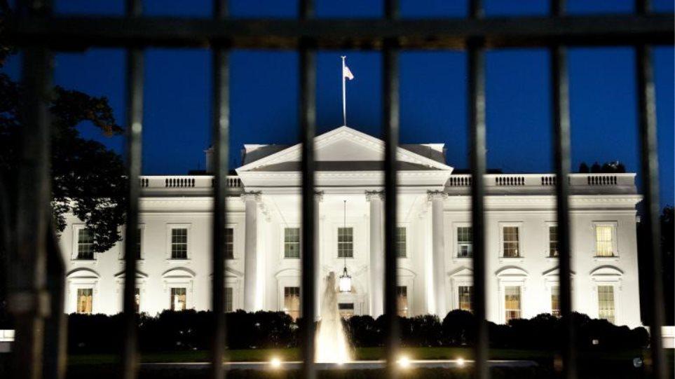 ΗΠΑ: Συνελήφθη γυναίκα με πιστόλι έξω από τον Λευκό Οίκο