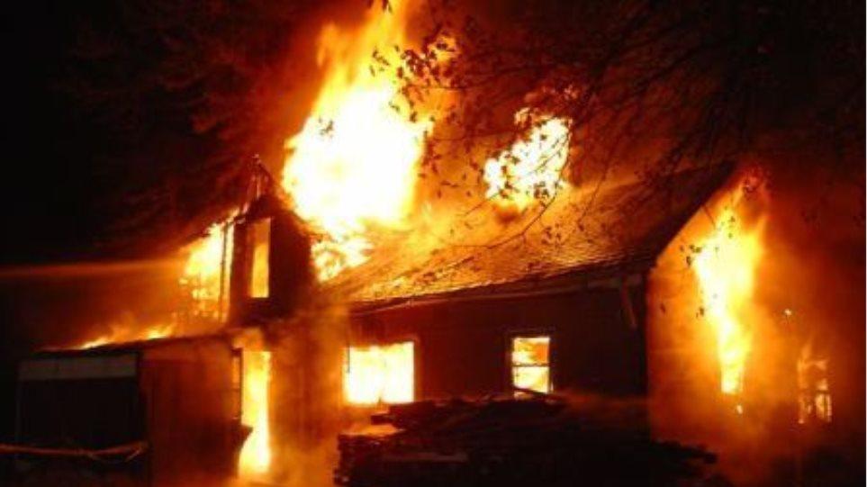Κρήτη: Αγροτική αποθήκη καταστράφηκε απο πυρκαγιά