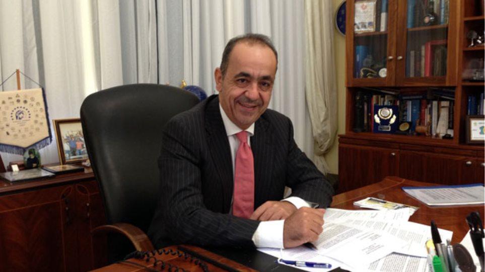 Κύπρος: Ο δήμαρχος Πάφου δεν παραιτείται αν και το ζητούν όλα τα κόμματα