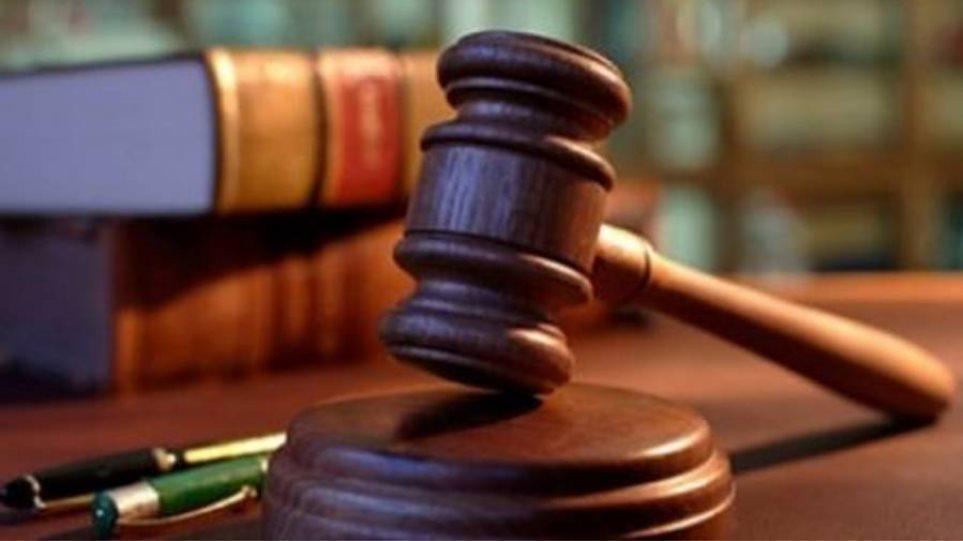 Στο πλευρό των δικηγόρων τα μέλη του Νομικού Συμβουλίου του Κράτους