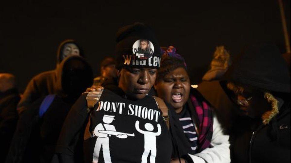 Μιζούρι: Δεν απαγγέλθηκαν κατηγορίες στον αστυνομικό που πυροβόλησε τον Μάικλ Μπράουν