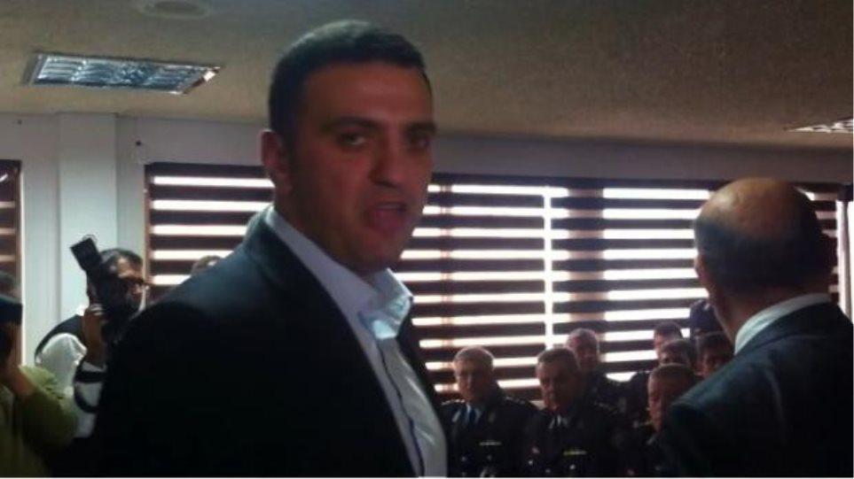 Κικίλιας στην Πάτρα: Ήρθα να δω μάχιμους, όχι αξιωματικούς (βίντεο)