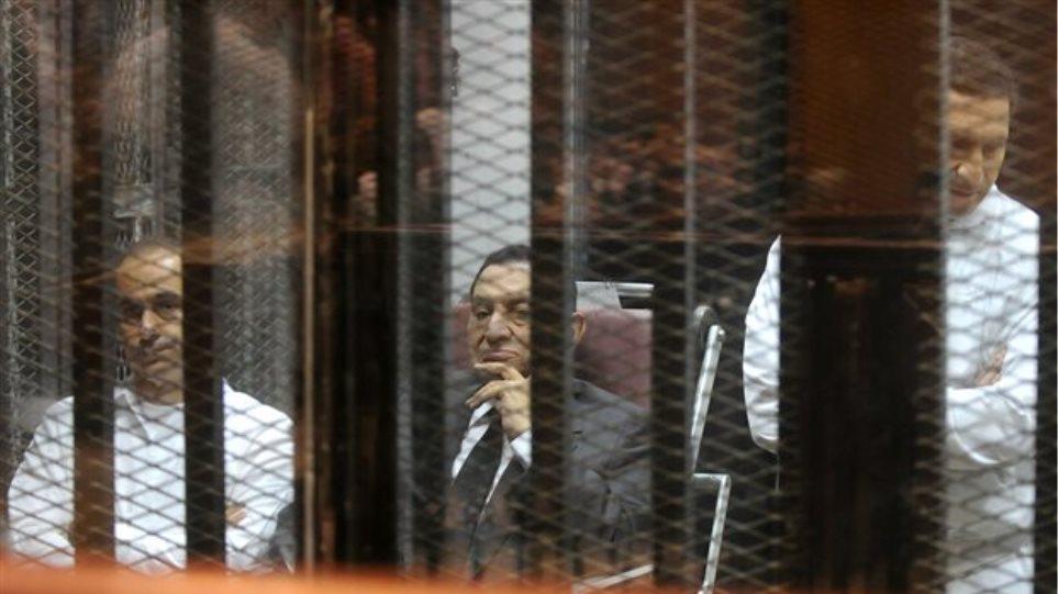 Επεισόδια μετά την απαλλαγή Μουμπάρακ στο Κάιρο