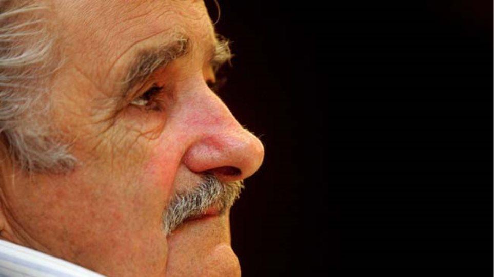Ουρουγουάη: Οι ψηφοφόροι επιλέγουν τον διάδοχο του προέδρου «Πέπε» Μουχίκα