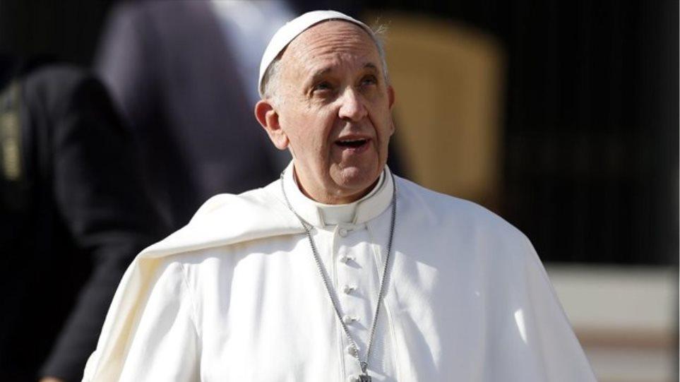 Πάπας προς μουσουλμάνους: Καταδικάστε την τρομοκρατία