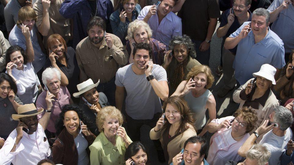 Το 90% του παγκόσμιου πληθυσμού θα διαθέτει κινητό μέχρι το 2020