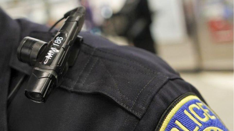 Ο Ομπάμα εξοπλίζει 50.000 αστυνομικούς με κάμερες στη σκιά του Φέργκιουσον