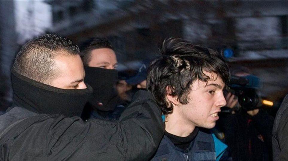 «Έκφραση αλληλεγγύης» στον Νίκο Ρωμανό οι εμπρησμοί ΑΤΜ