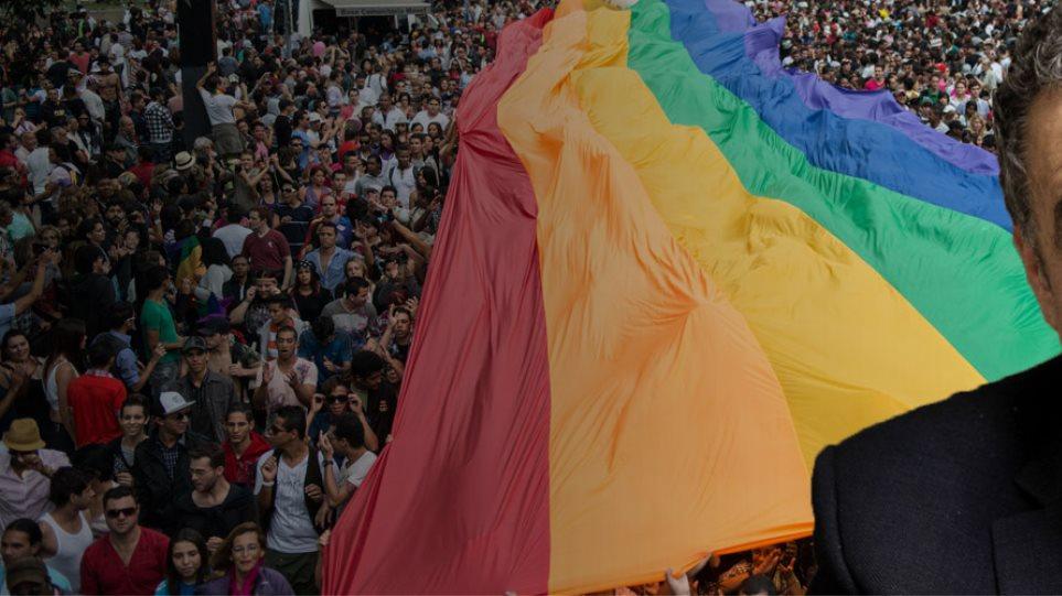 Αθανασίου: «Δεν είναι δυνατόν να επιτραπεί γάμος ομόφυλων στην Ελλάδα»