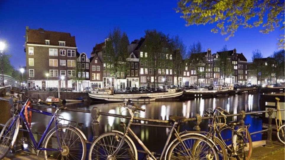 Άμστερνταμ: Σε Σύρους πρόσφυγες εκατοντάδες εγκαταλελειμμένα ποδήλατα