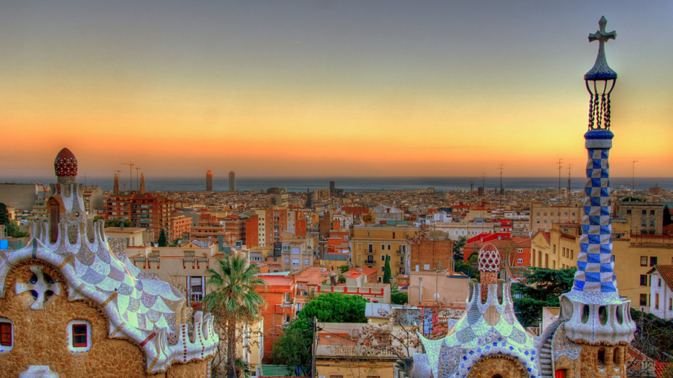 Βαρκελώνη: Η παραμυθένια, πολύχρωμη πόλη