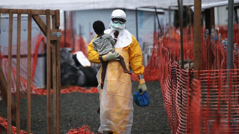 Έμπολα: 6.000 νεκροί και 17.000 κρούσματα ο τελευταίος απολογισμός