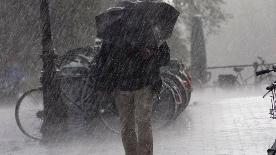 Έρχονται ισχυρές βροχές και καταιγίδες σε όλη τη χώρα