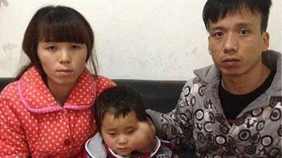 Γονείς παρακαλούν τους γιατρούς να θέσουν τέλος στην ζωή της 4χρονης κόρης τους