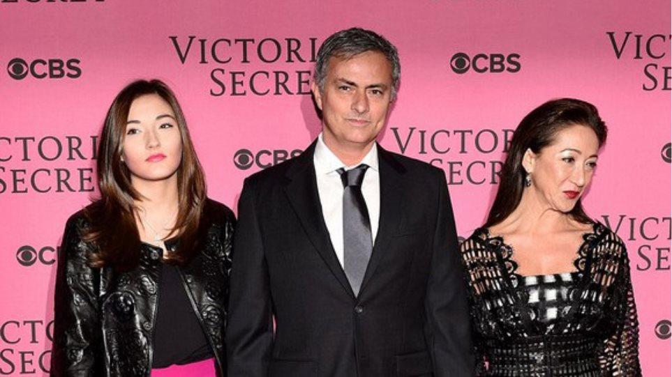 Βίντεο: Ο Μουρίνιο πήρε... μια γεύση από την επίδειξη της Victoria's Secret