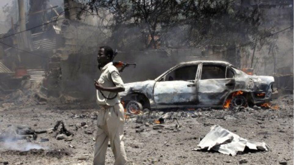 Φονική επίθεση στο αεροδρόμιο του Μογκαντίσου εναντίον αυτοκινητοπομπής του ΟΗΕ