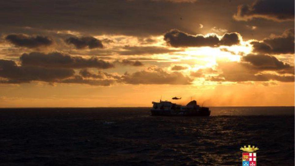 Με δύο ελικόπτερα του Πολεμικού Ναυτικού και της Αεροπορίας οι έρευνες στην Αδριατική