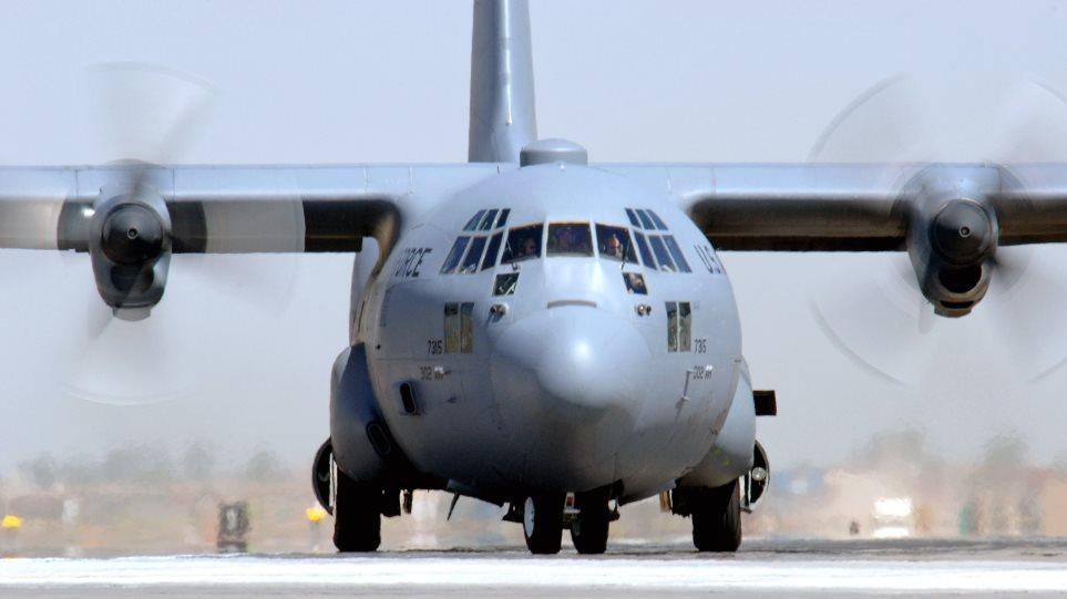Με C-130 ήρθε από τη Χίο στην Αθήνα δίχρονο αγόρι με σοβαρό πρόβλημα υγείας