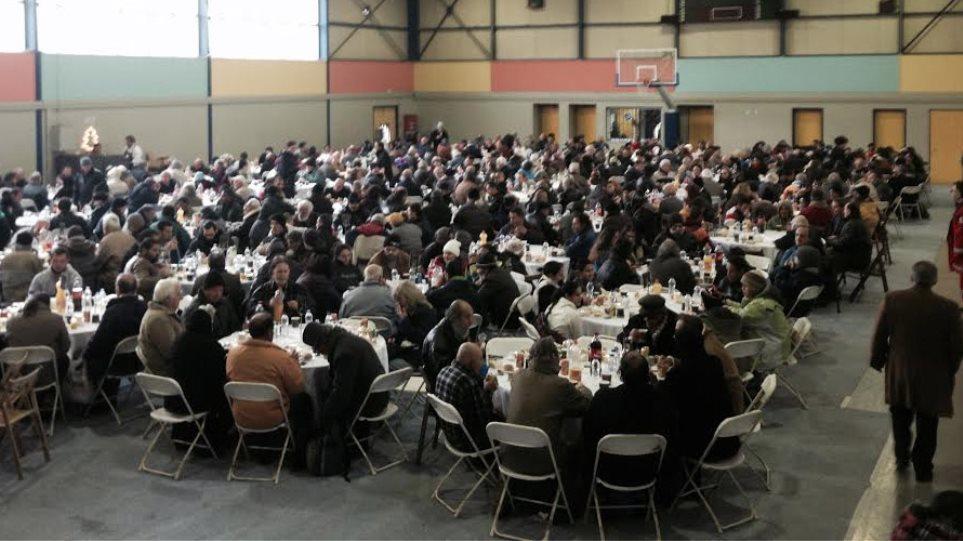 «Γεύμα αγάπης» για 2.000 άπορους και αστέγους από το ΠΡΩΤΟ ΘΕΜΑ