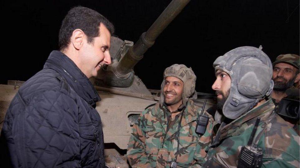 Συρία: Επίσκεψη Ασαντ σε στρατιώτες για την Πρωτοχρονιά