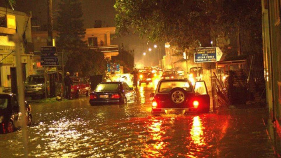 Χανιά: Ποτάμια οι δρόμοι από την καταιγίδα της Πρωτοχρονιάς