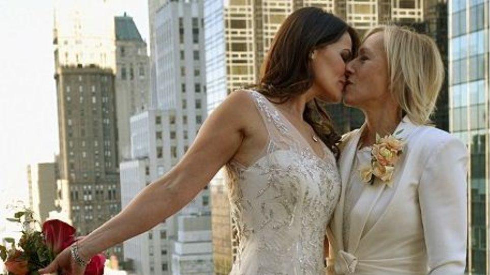 Φωτογραφίες: Ο λαμπερός γάμος της Ναβρατίλοβα με τη σύζυγό της