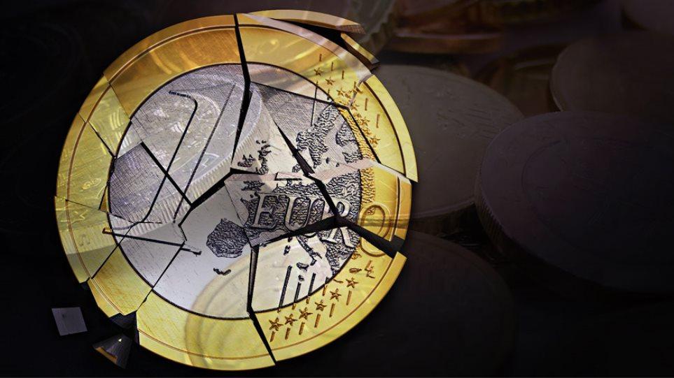 Σε χαμηλό 9 ετών το ευρώ μετά τα δημοσιεύματα για Grexit
