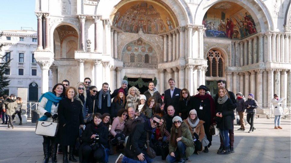Καλή Χρονιά από την μαγευτική Βενετία και την Aegean