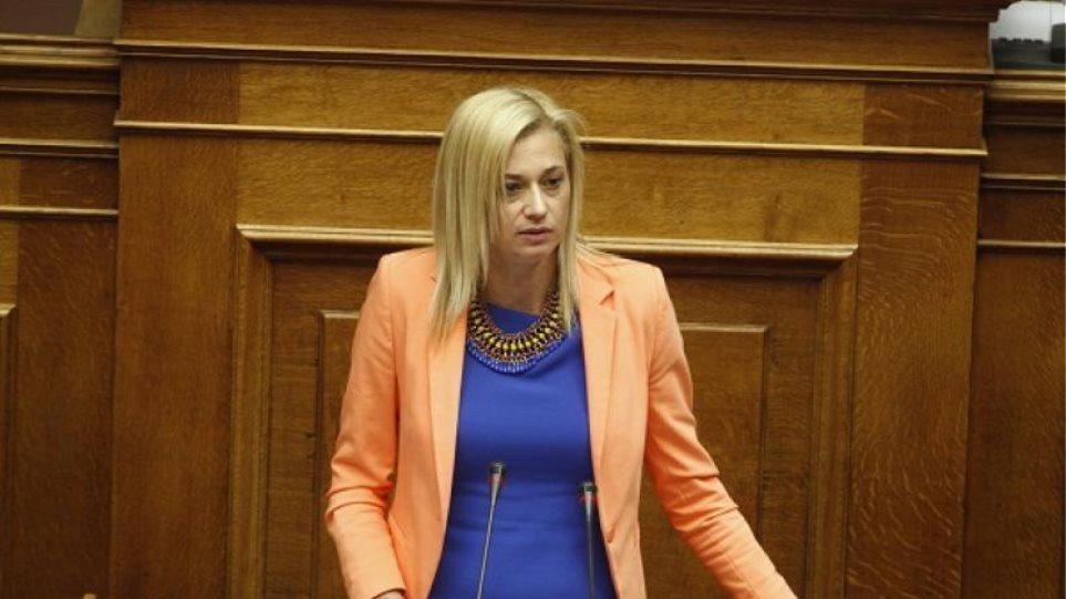Ραχήλ Μακρή: Αδιέξοδο με ΣΥΡΙΖΑ - Συζητάει με ΑΝΤΑΡΣΥΑ