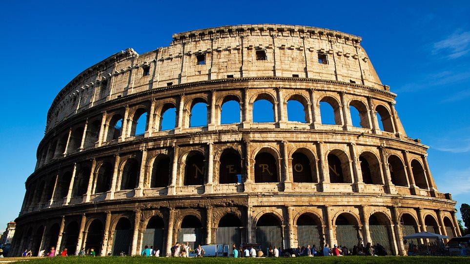 Κάθε «θύρα» στο Κολοσσαίο είχε το δικό της αριθμό, γραμμένο με κόκκινο