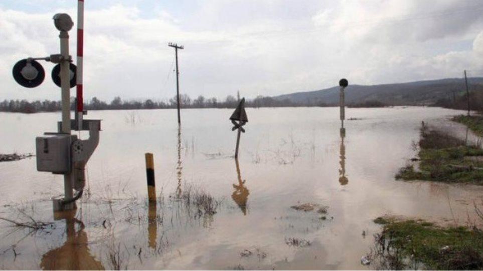 Συναγερμός και στον Έβρο από τις πλημμύρες στη Βουλγαρία