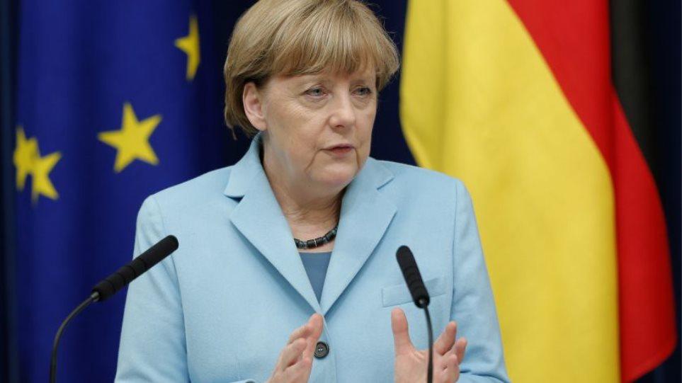 Έμμεσο «ναι» της Μέρκελ σε πενταμερή για την Ελλάδα
