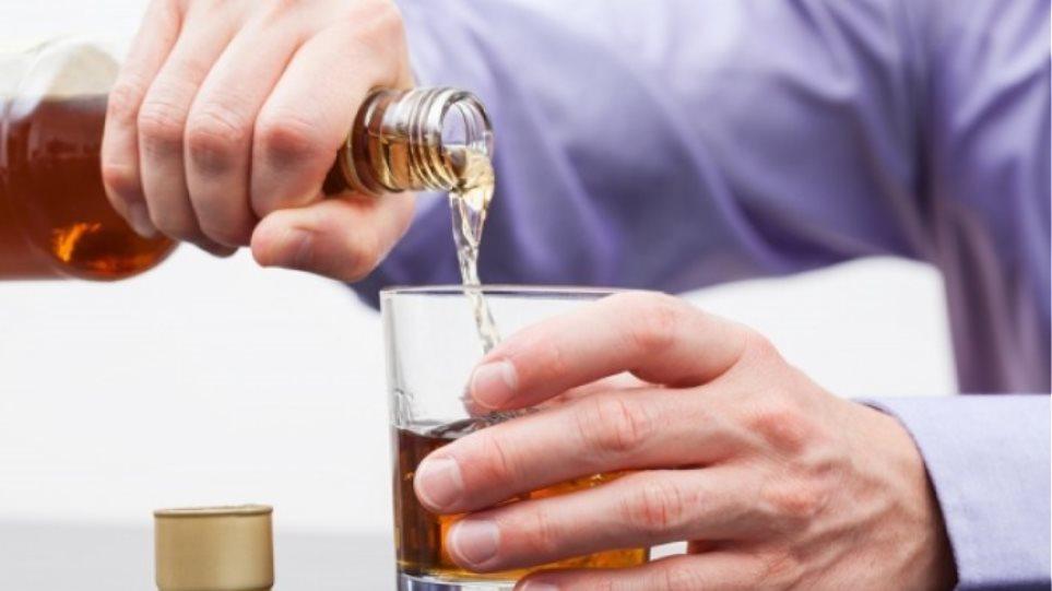 """Απλοί κανόνες για να προφυλαχθείτε από τα ποτά """"μπόμπες"""""""