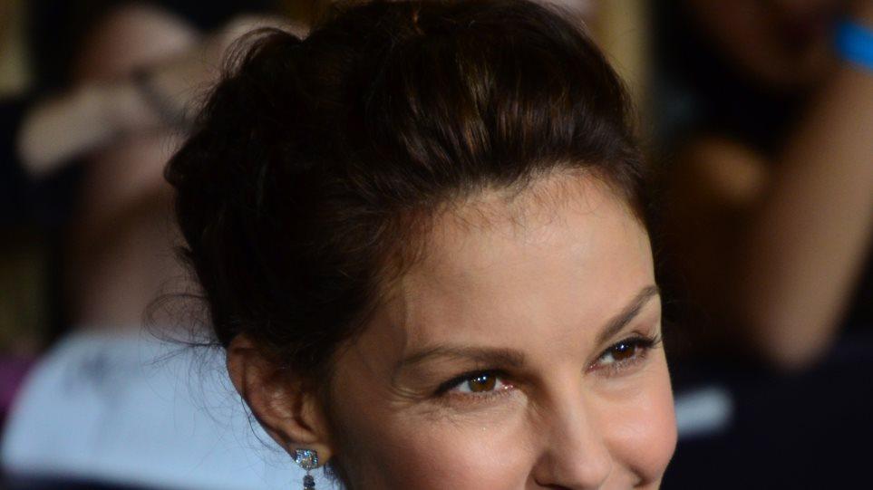 Η Ashley Judd μηνύει χρήστες του Twitter για σεξουαλική παρενόχληση